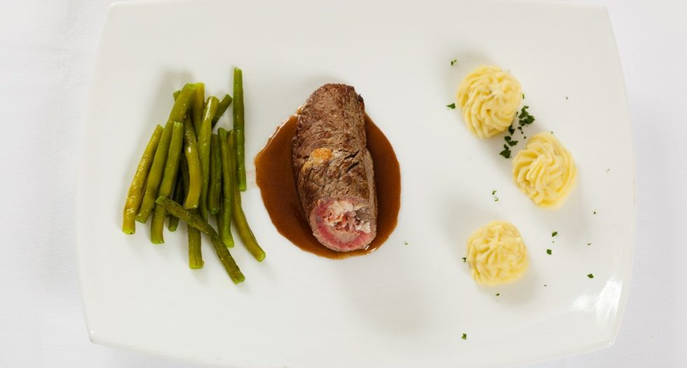 Dry-Aged roulades from Havelland beef with green beans
