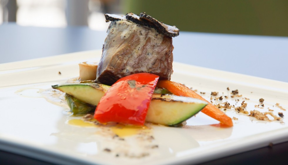 Dry-Aged beef with grilled vegetables and truffle